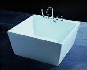 Baignoire ilot salle de bain empoli perso baignoire for Baignoire ilot carre